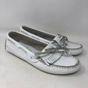 Minnetonka White Leather Moccasin Loafers 7.5